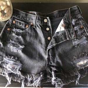 Women's Cut off Levi Denim Shorts Black